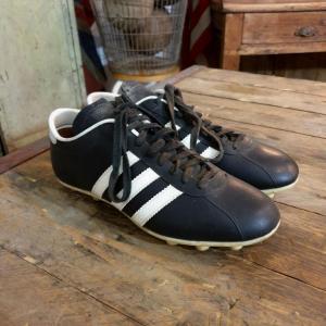 2 chaussures de foot adidas