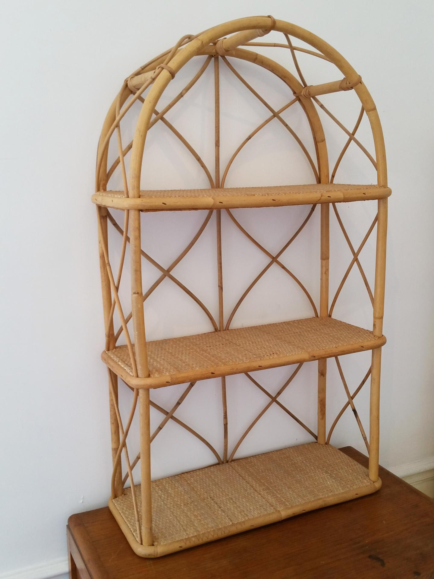 tag re biblioth que en osier rotin bambou vintage. Black Bedroom Furniture Sets. Home Design Ideas