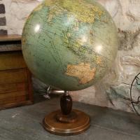 2 globe terrestre girard
