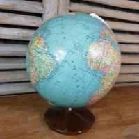 2 globe terrestre