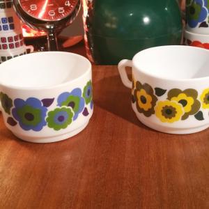 2 grandes tasses a cafe lotus