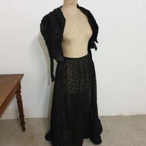 2 habit de femme 1900