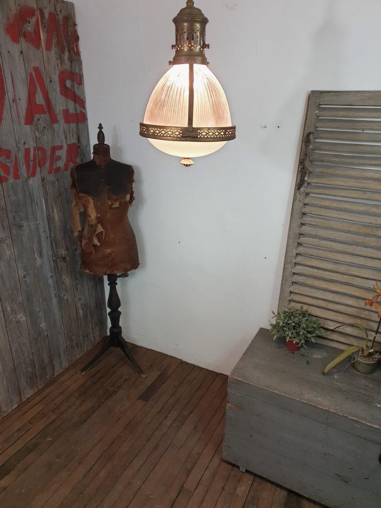 2 lampe de magasin holophane