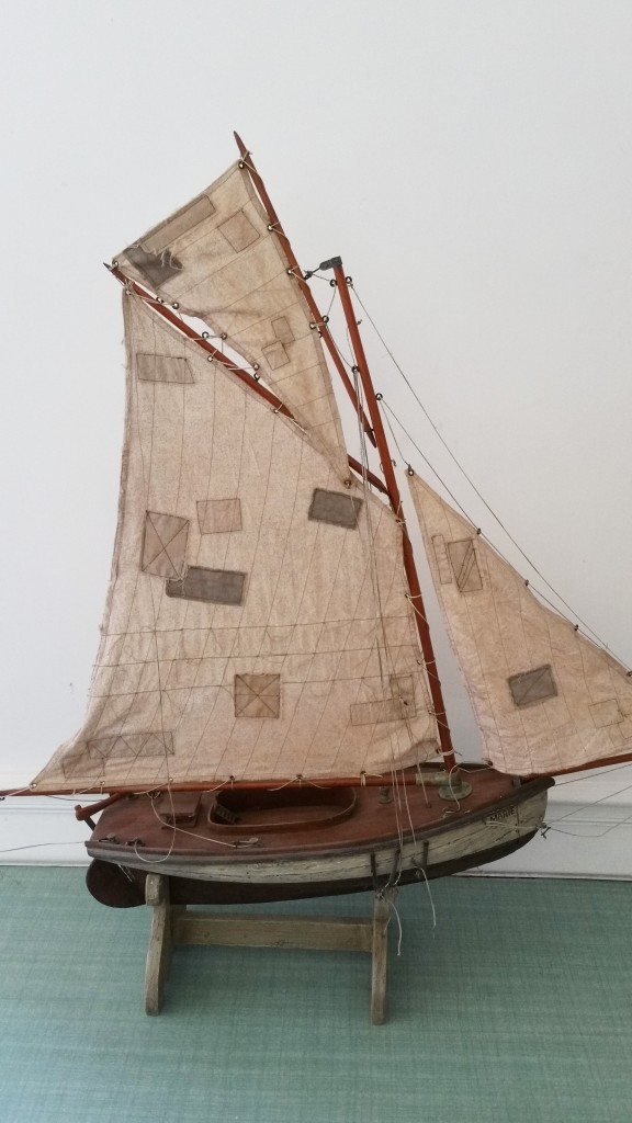 2 maquette de bateau