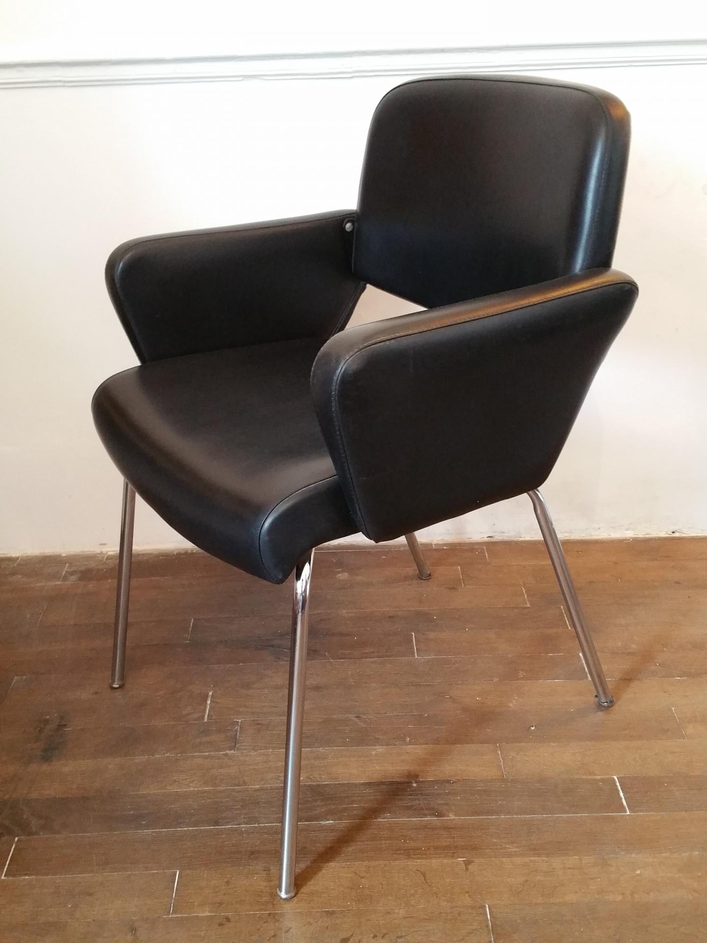 fauteuil vintage en ska noir fauteuil design 70. Black Bedroom Furniture Sets. Home Design Ideas