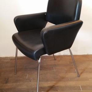 2 paire de fauteuils skai noir