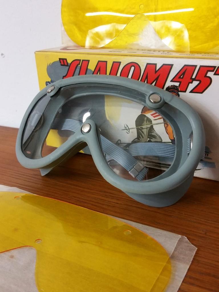 2 paire de lunettes de ski moto a