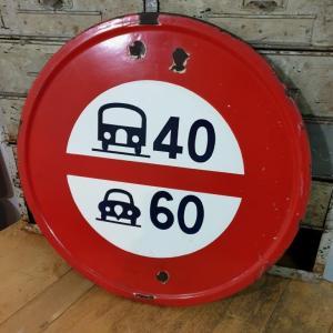 2 panneau limitation de vitesse