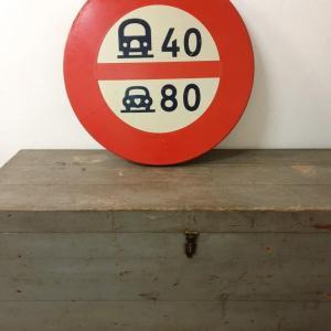 2 panneau limitation vitesses