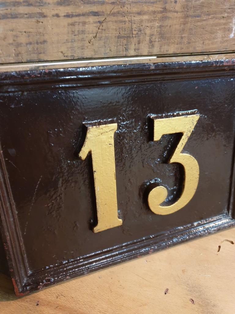 2 plaque de rue 13