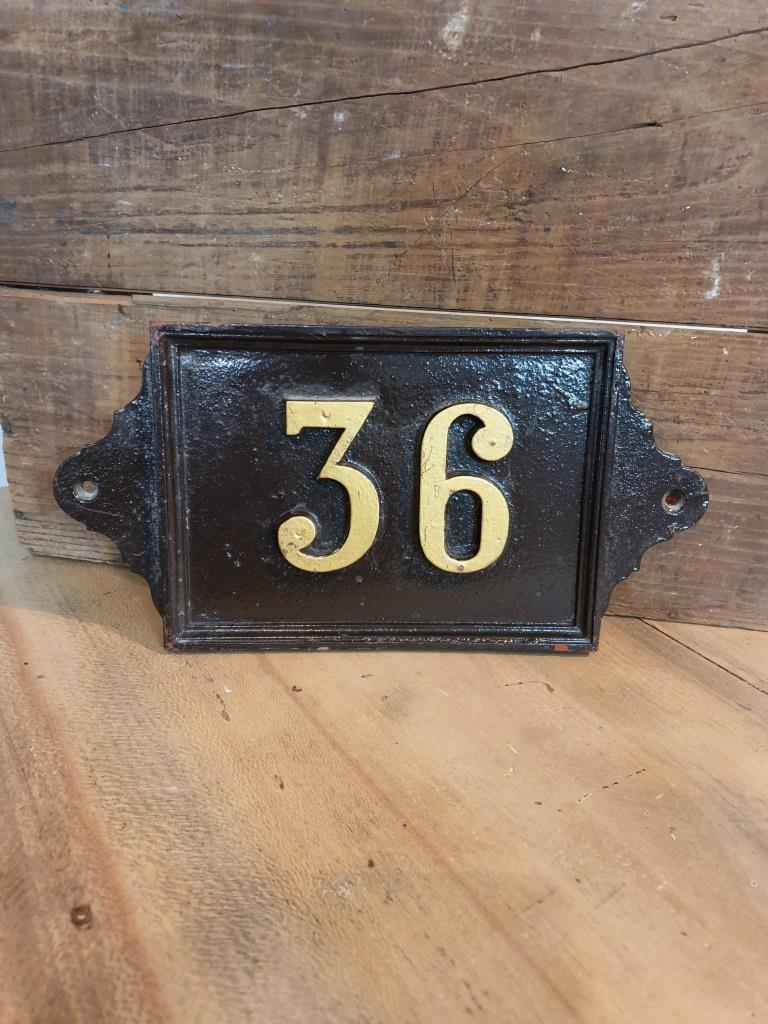 2 plaque de rue 36