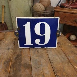 2 plaque de rue emaillee n 19