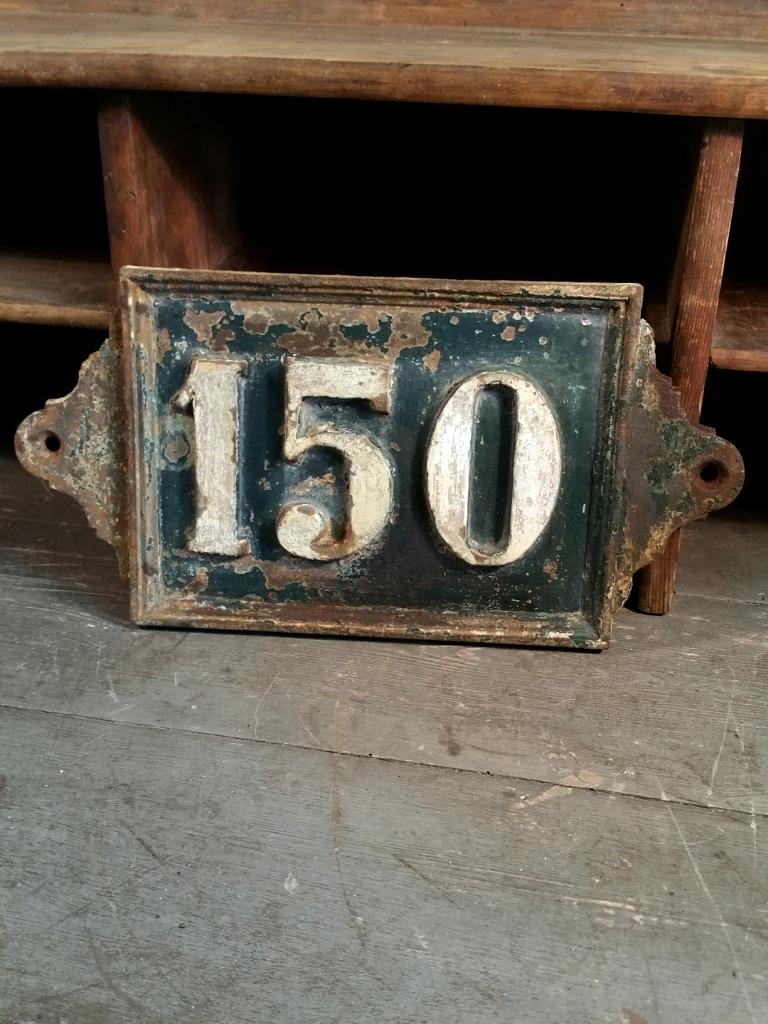 2 plaque de rue fonte 150