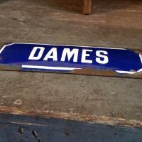 2 plaque emaillee dames