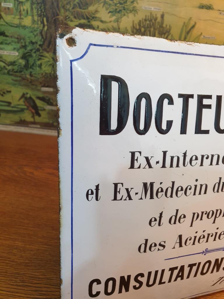 2 plaque emaillee docteur casse