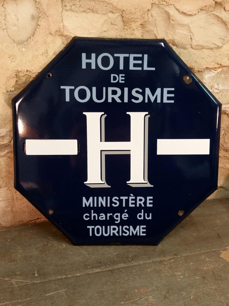 2 plaque hotel de tourisme