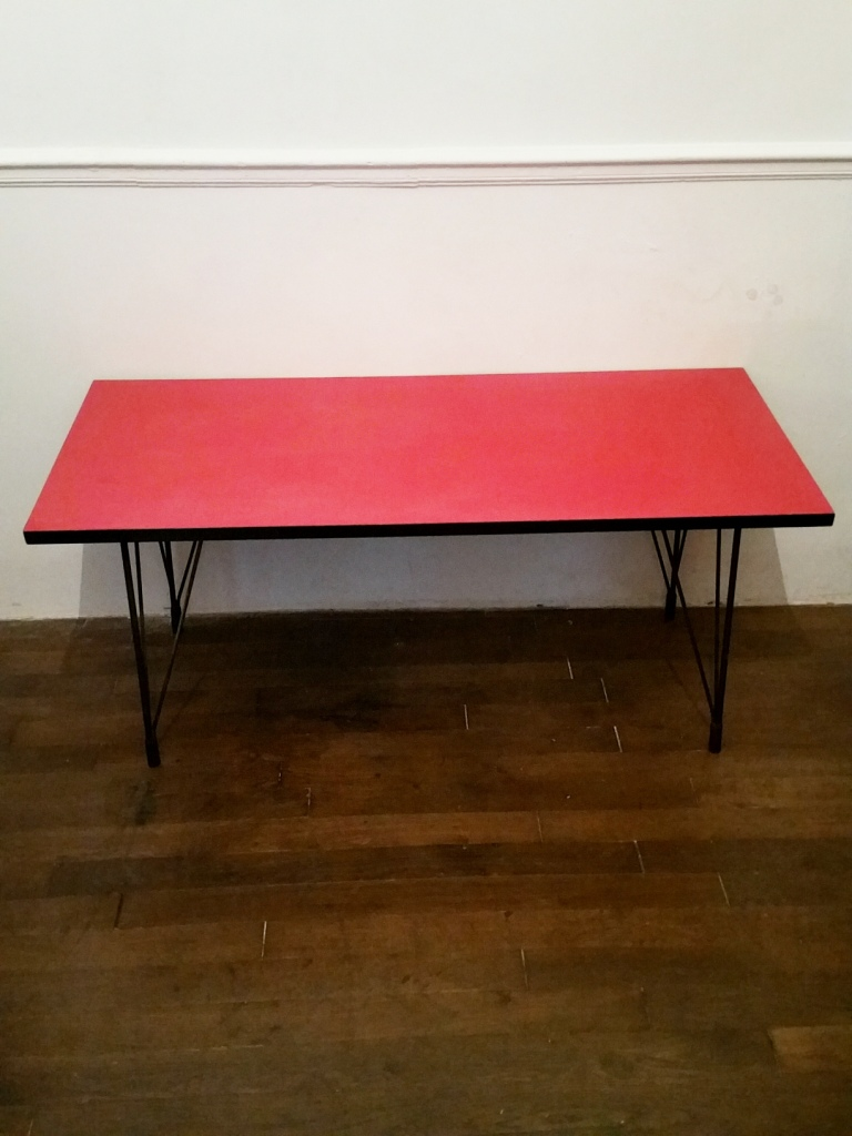 2 table basse formica rouge
