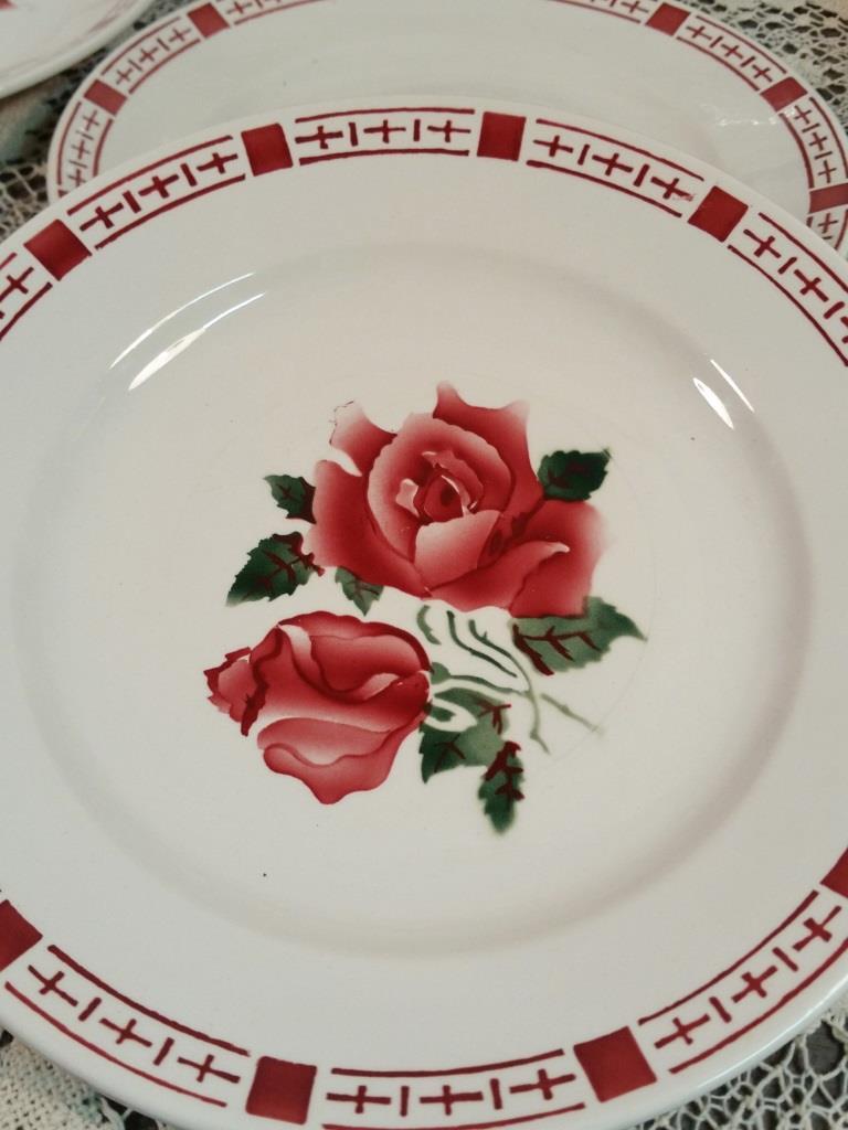 3 assiettes plates saverne