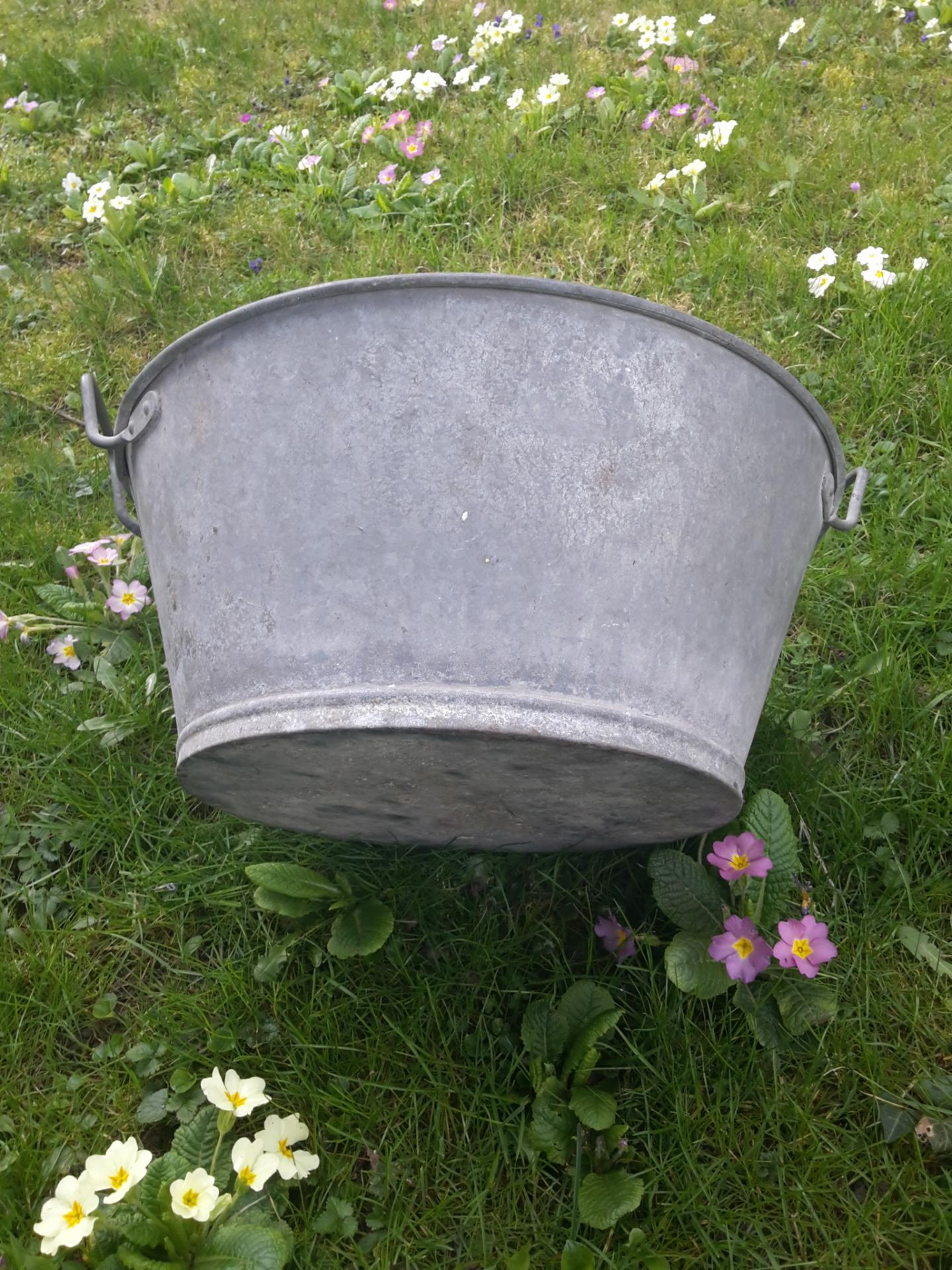 3 bassine ronde en zinc