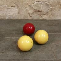 3 boules de billard