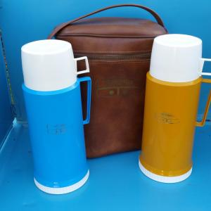 3 bouteilles thermos