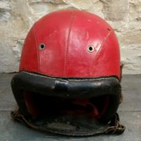 3 casque rouge