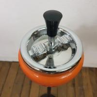 3 cendrier orange