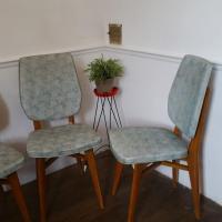 3 chaises vertes 60 s