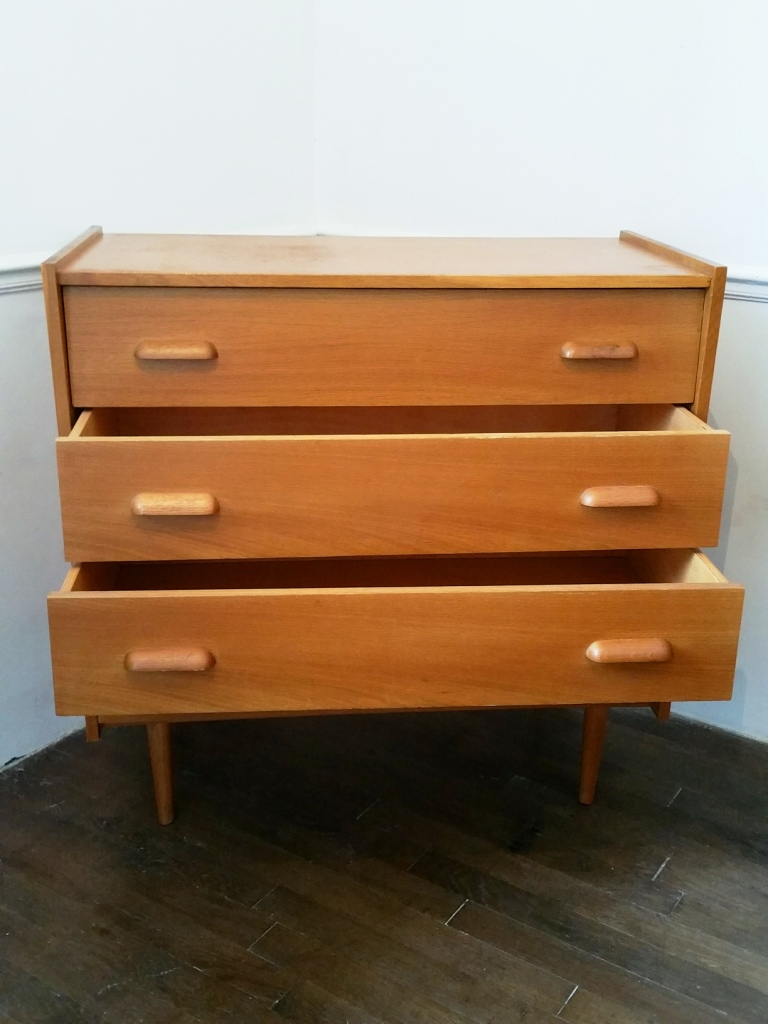 3 commode 60 s