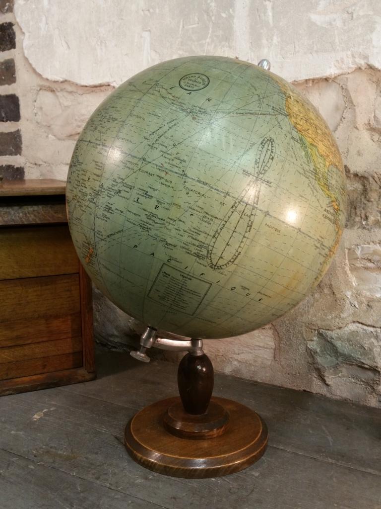 3 globe terrestre girard