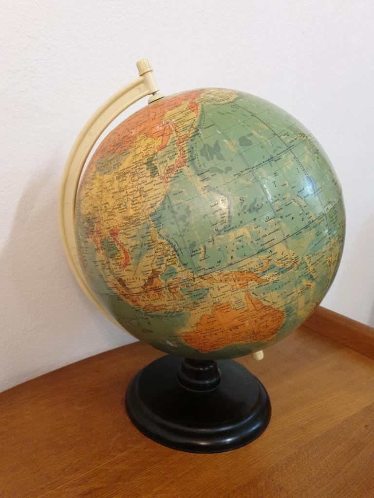 3 globe terrestre rath