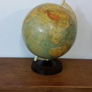 3 globe terrestre raths