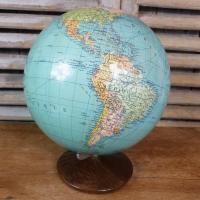 3 globe terrestre