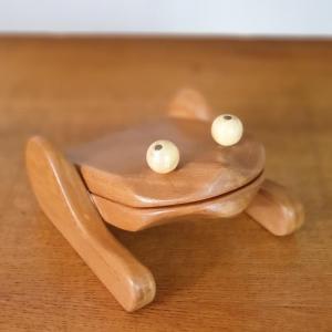 3 grenouille presse papier