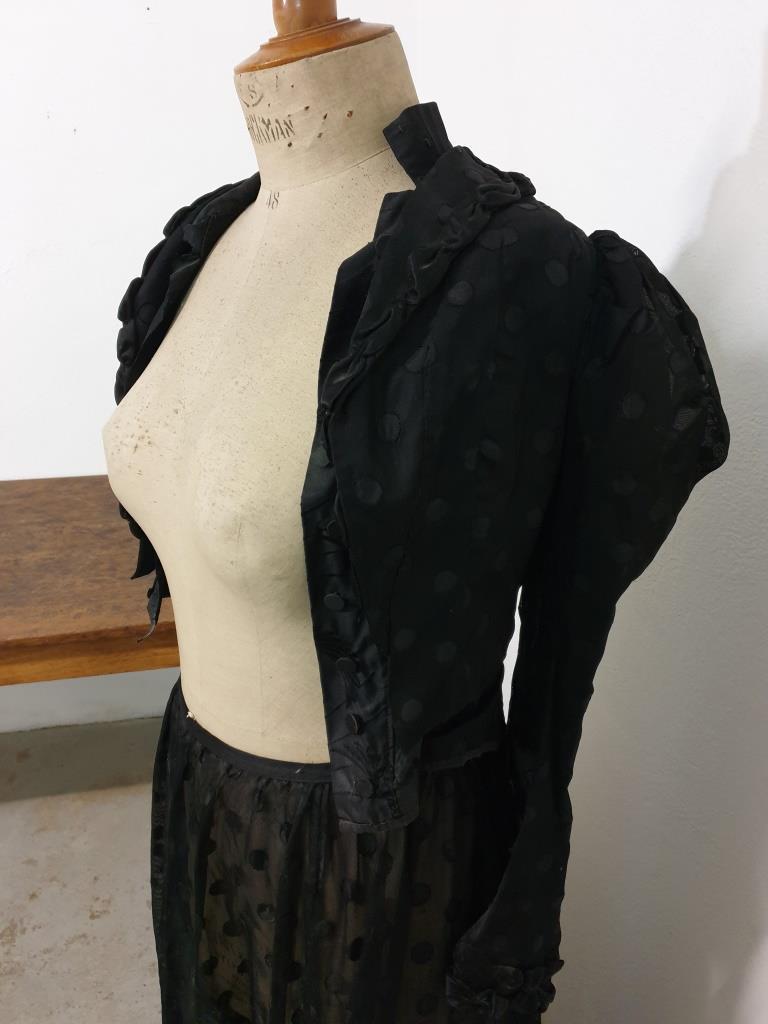 3 habit de femme 1900