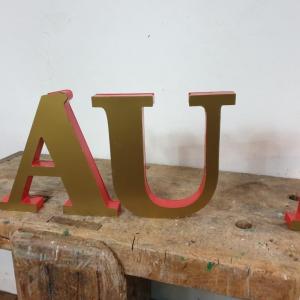 3 lettres au bureau