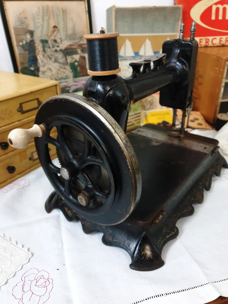 3 machine a coudre ancienne