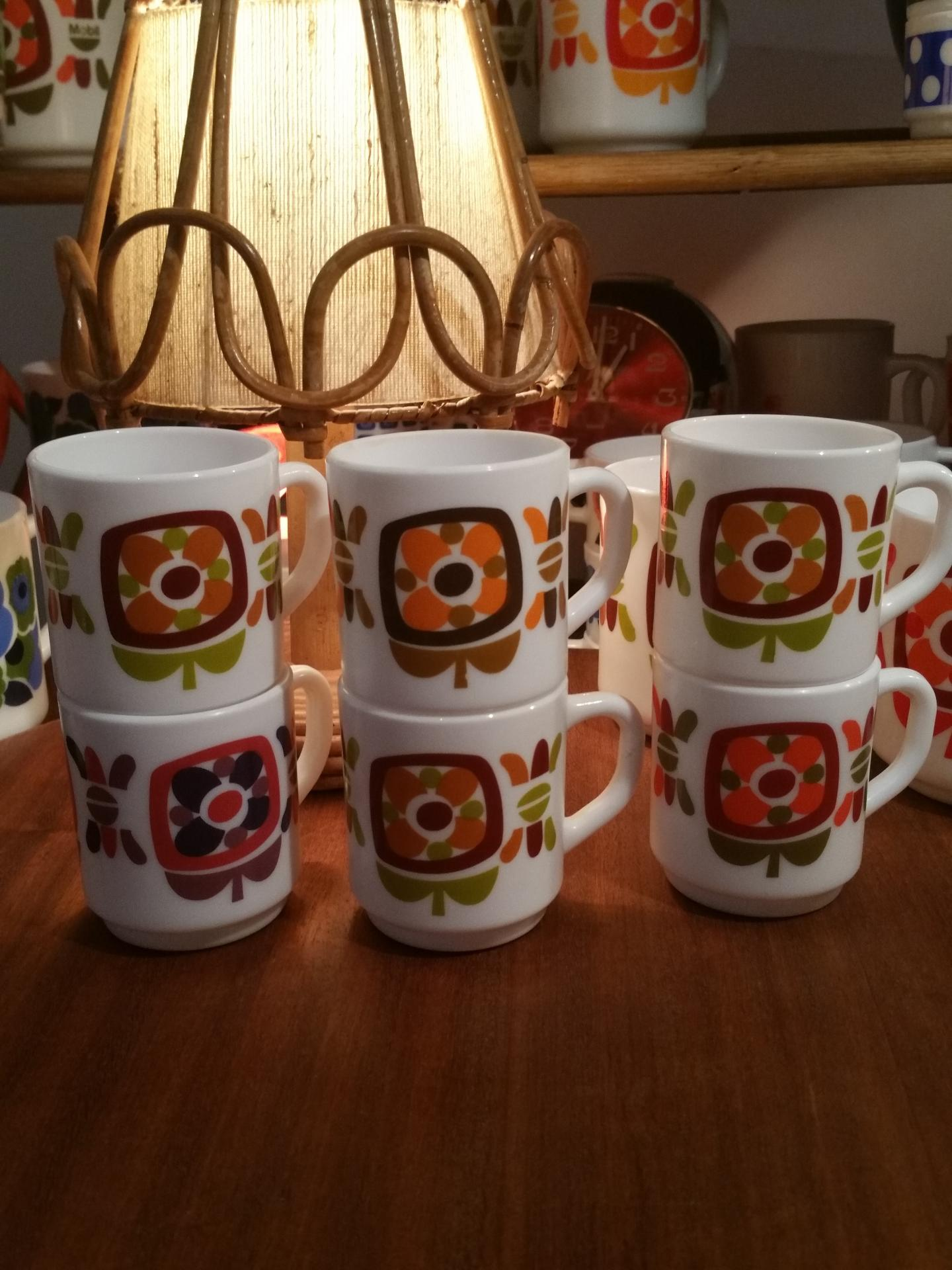 3 petites tasses a moka mobil