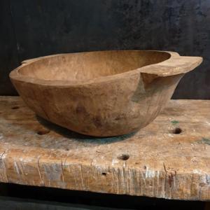 3 petrin primitif en bois sculpte