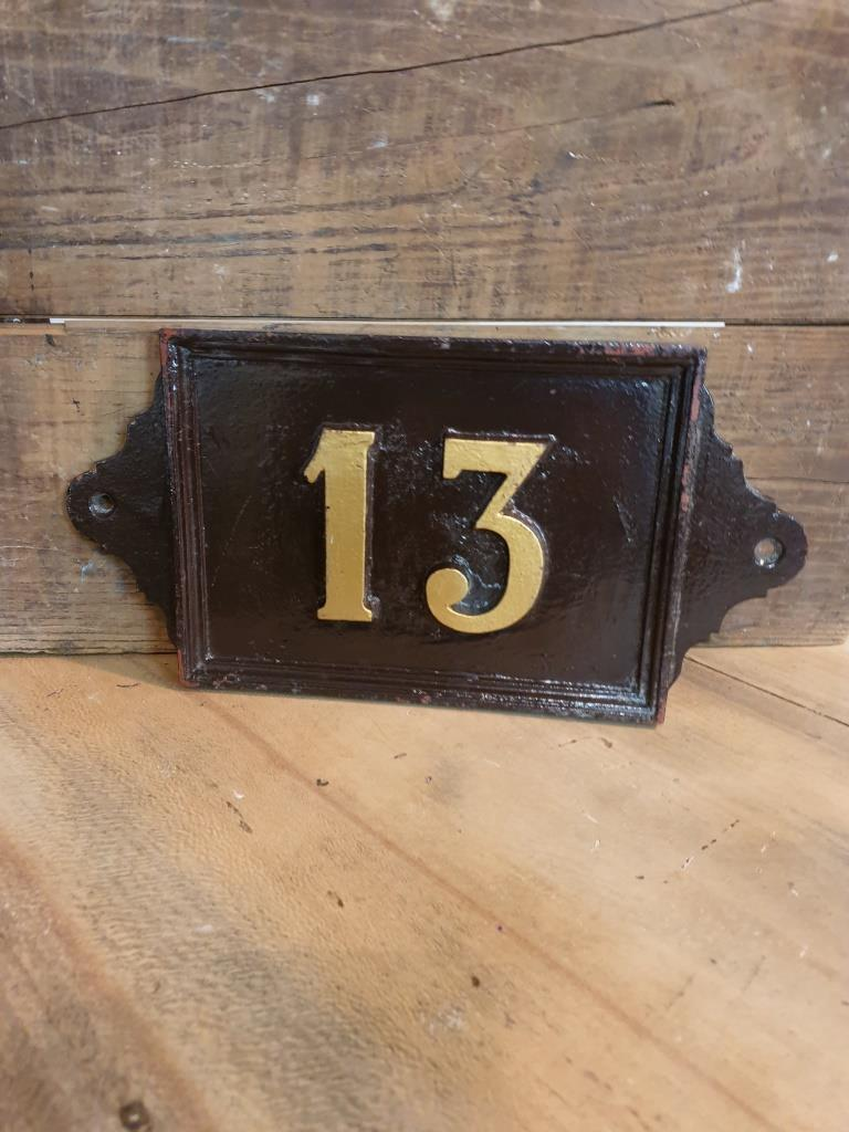 3 plaque de rue 13