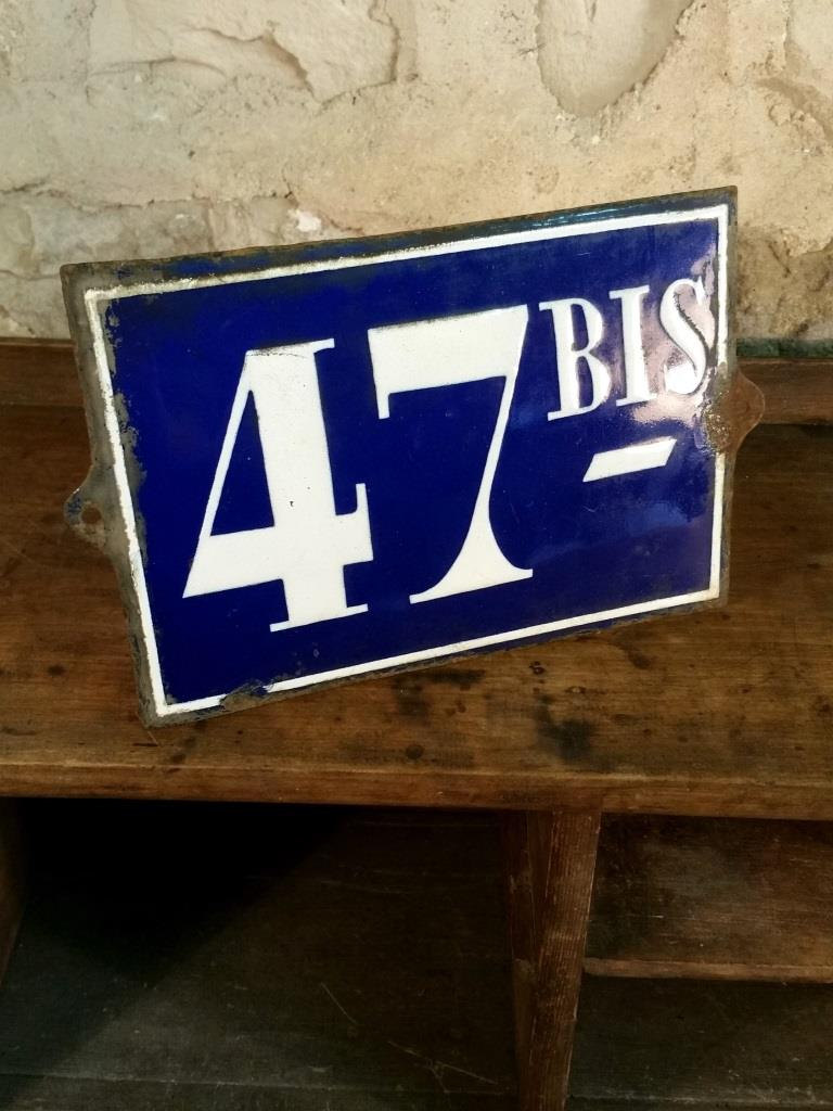 3 plaque de rue 47bis