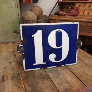 3 plaque de rue emaillee n 19