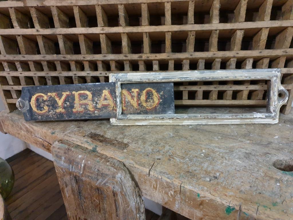3 plaque ecurie cyrano