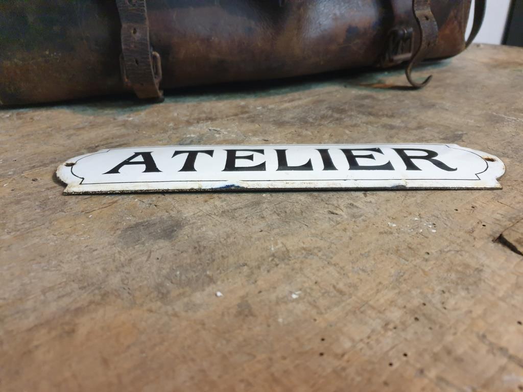 3 plaque emaillee atelier