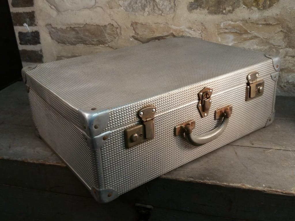 3 valise en alu gauffre 1