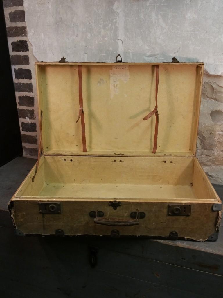 3 valise en bois
