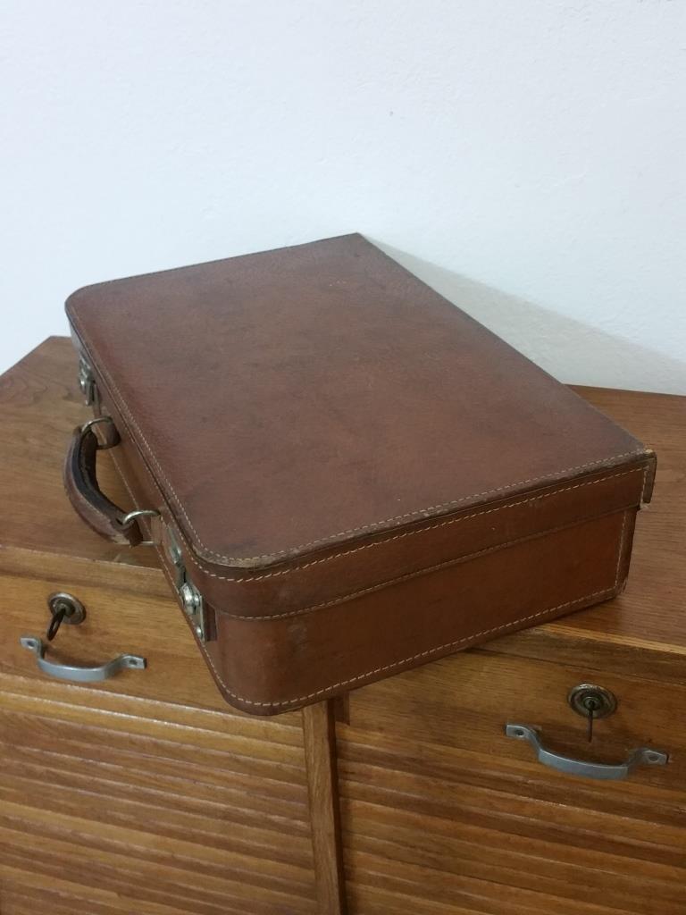 3 valise en cuir
