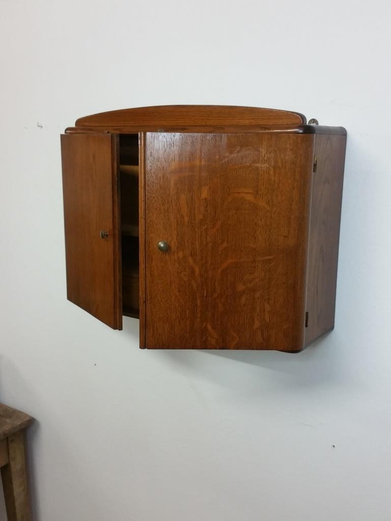 4 armoire a suspendre