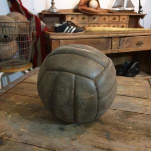 4 ballon cuir avec lacet