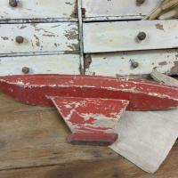4 bateau de bassin coque rouge